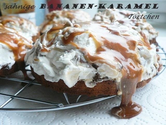 Sahnige Bananen-Karamel-Törtchen mit Schokoflocken 13