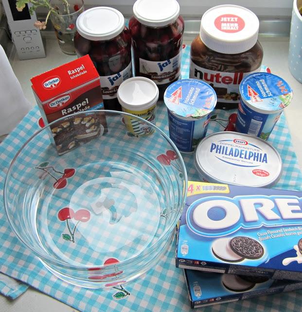 Kirschtrifle mit Oreokeksen und Nutellacreme 10