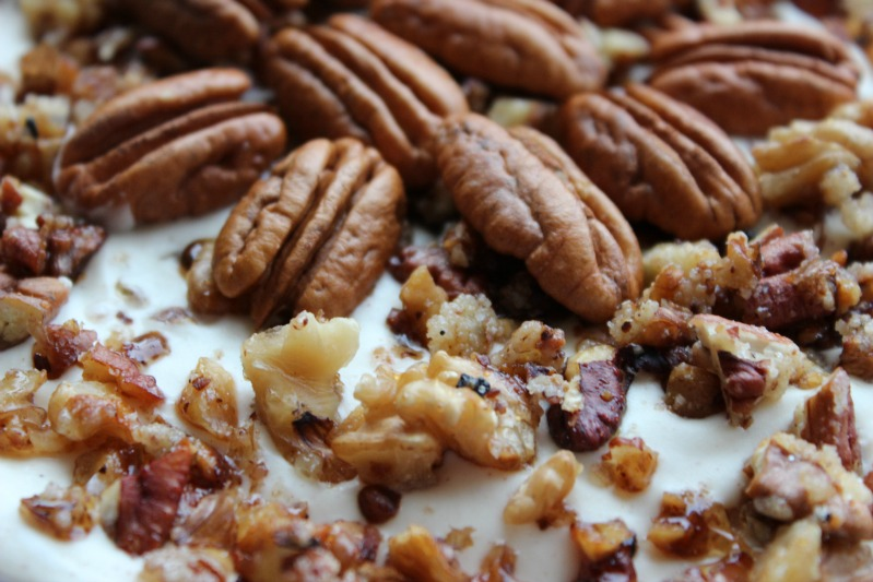 Adventskalendertürchen # 23 Weiße Schokomousse mit Pecannüssen oder mit Zimtkirschen und Spekulatius 17