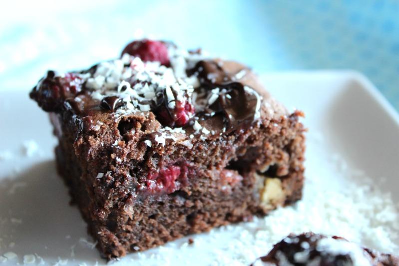 Himbeer Brownies mit weißer Schokolade 7