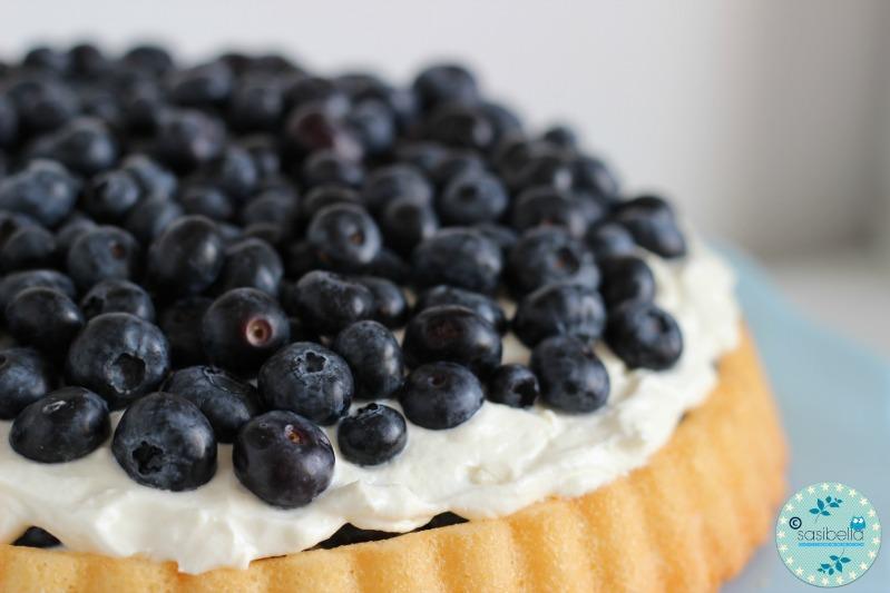 Mascarpone-Quark Torte mit frischen Heidelbeeren und ein kleiner Kinderzimmer-Einblick! 6