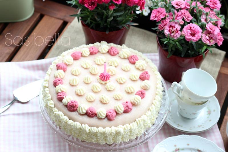 Marzipan-Himbeersahne Torte