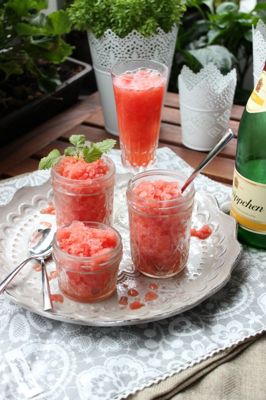 Fruchtige Wassermelonen Granita mit Aperol 25