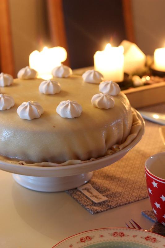 Tschüss Weihnachtskram, gemütlich ist es trotzdem! Mohn-Marzipan Torte mit Himbeerfüllung 23