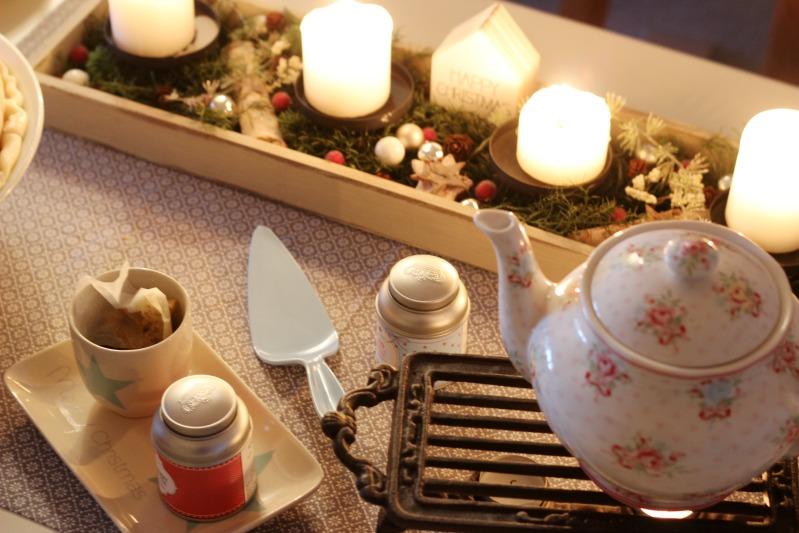 Tschüss Weihnachtskram, gemütlich ist es trotzdem! Mohn-Marzipan Torte mit Himbeerfüllung 26