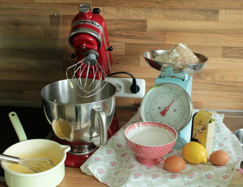 Erdbeer-Rhabarberkuchen mit Vanille-Quark Guss 1