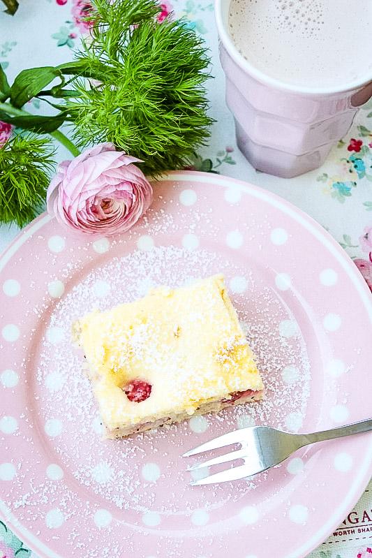 Erdbeer-Rhabarberkuchen mit Vanille-Quark Guss 4