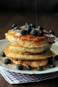 Buttermilch-Blaubeer Pancakes