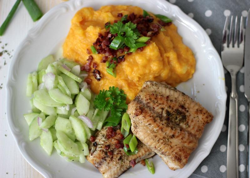 Kürbis-Kartoffelstampf zu Welsfilet und Gurkensalat 3