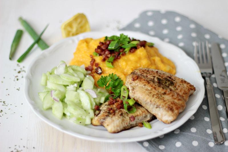 Kürbis-Kartoffelstampf zu Welsfilet und Gurkensalat 6