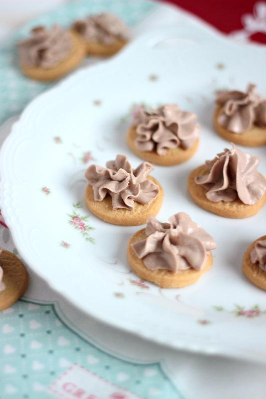 Zuckerkekse mit Nutellacreme 5
