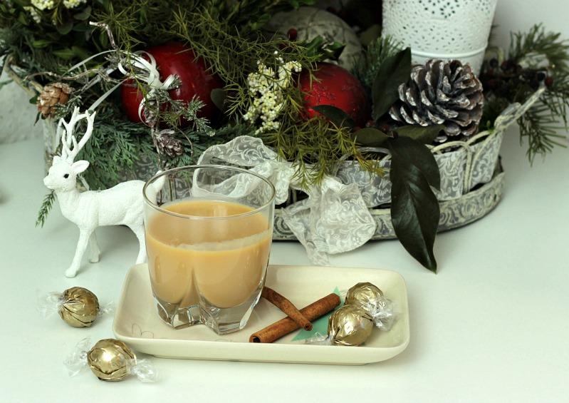Adventskalendertürchen Nr.23- Hot Pimms, Eierpunsch mit Baileys und Fliederbeerpunsch 25