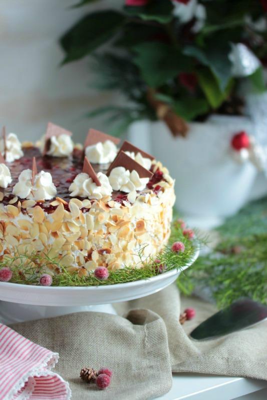 Preiselbeer Nougat Torte