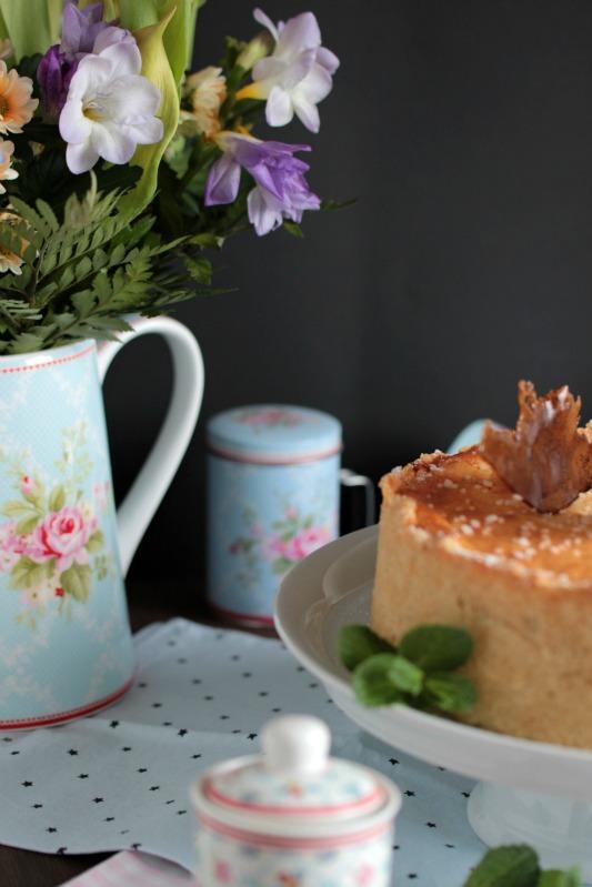Mascarpone-Mohn-Quark-Torte mit Karamellsplittern 2
