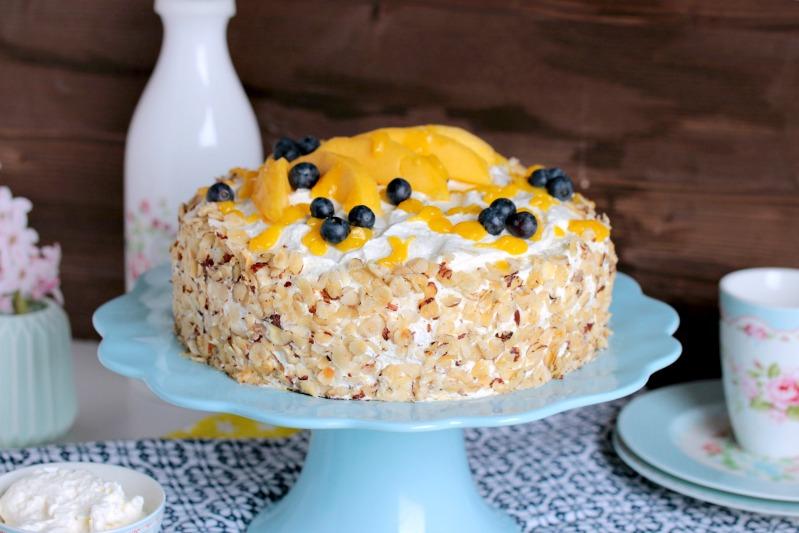 Nuss-Pudding-Torte mit Mango (glutenfrei) 7