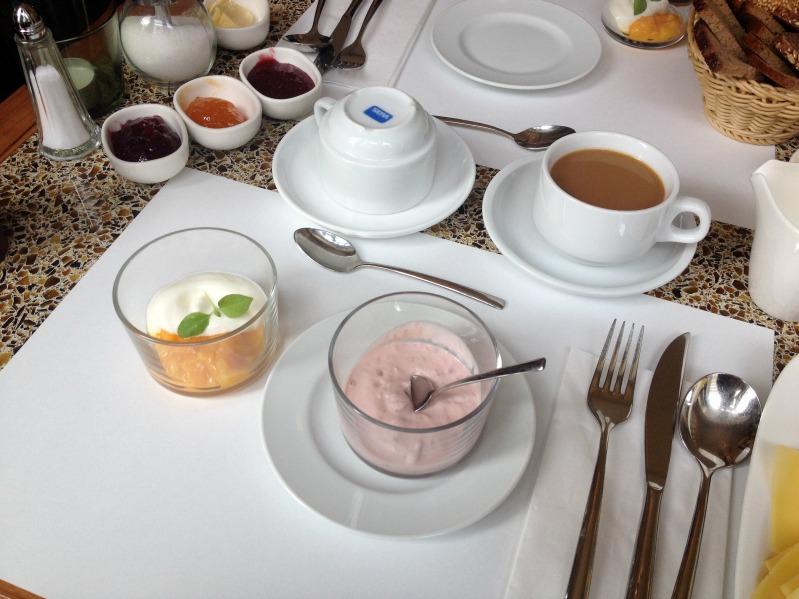 Sasibella on Tour - beim Kerrygold Pressefrühstück + ein leckeres Joghurt-Frühstück-Rezept * 5