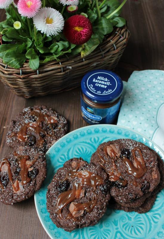 Chewy Brownie Kirsch Cookies mit Dulche de Leche* 15