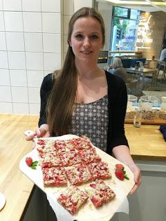 Erdbeer-Basilikum Scones für den 3. Blog-Stammtisch im Kölln Haferland* 65