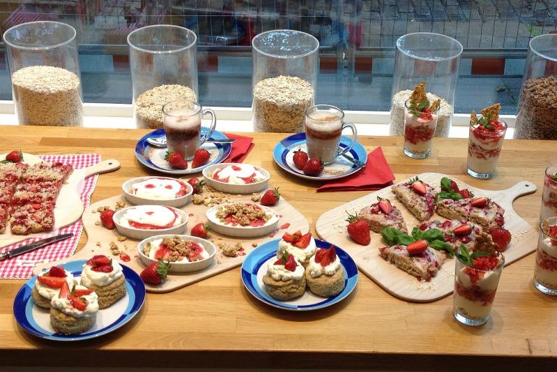 Erdbeer-Basilikum Scones für den 3. Blog-Stammtisch im Kölln Haferland* 20
