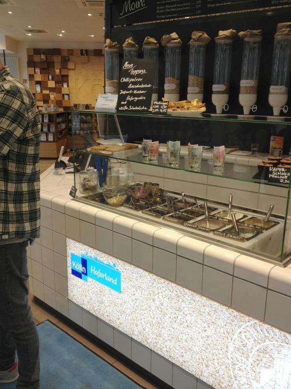 Erdbeer-Basilikum Scones für den 3. Blog-Stammtisch im Kölln Haferland* 23