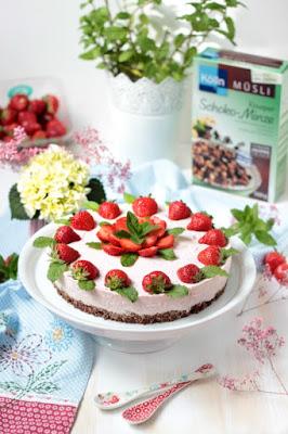 Erdbeer-Minz-Torte mit Müsliboden , ganz ohne backen* 5
