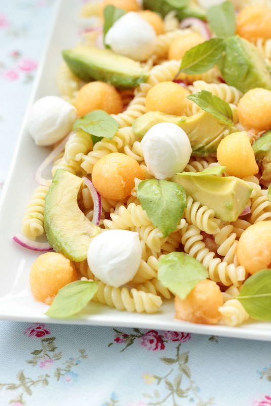 Nudelsalat mit Melone,Avocado und Mozzarella 1