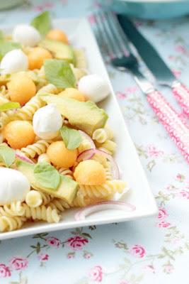 Nudelsalat mit Melone,Avocado und Mozzarella 4