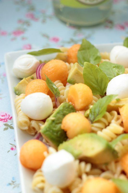 Nudelsalat mit Melone,Avocado und Mozzarella 9