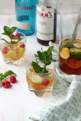 Gin - Pimm`s Cup - Cocktail of the Week 25