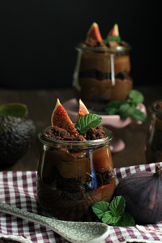 Avocado-Schokoladenmousse mit Brownies und Feigen {Gastbeitrag bei der Küchendeern} 1