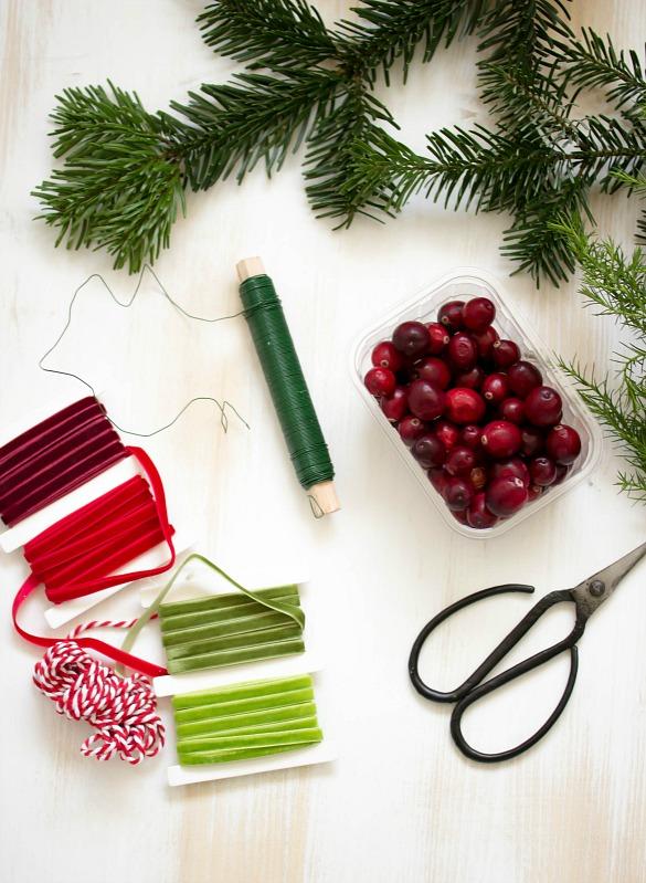 Adventskalender-Türchen Nr.4 /  DIY Mini Cranberry Kranz - schnelle Idee für weihnachtliche Tischdeko 17