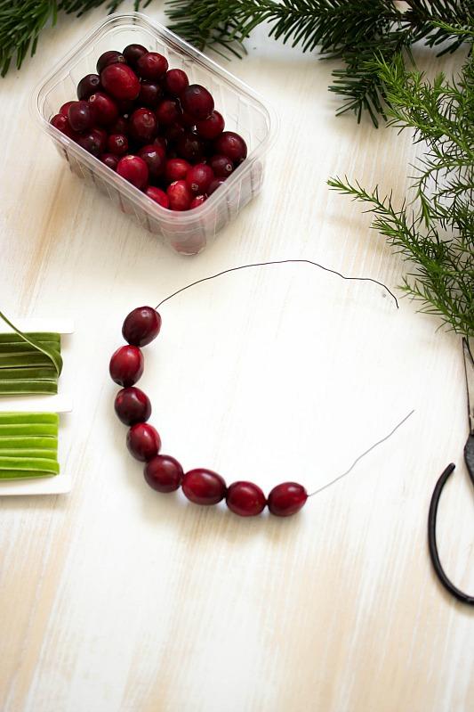 Adventskalender-Türchen Nr.4 /  DIY Mini Cranberry Kranz - schnelle Idee für weihnachtliche Tischdeko 19