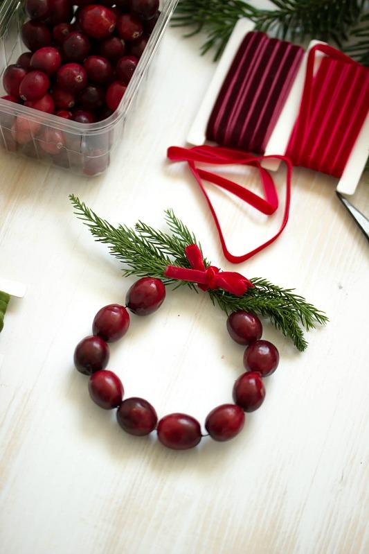 Adventskalender-Türchen Nr.4 /  DIY Mini Cranberry Kranz - schnelle Idee für weihnachtliche Tischdeko 22