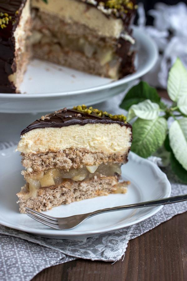 Walnuss-Birnen Torte mit Marzipanmousse 36