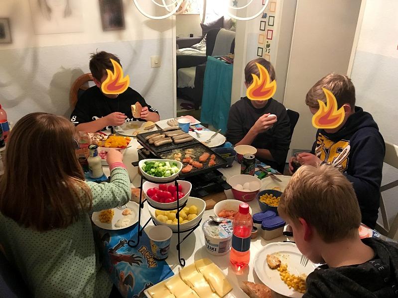 Pokemon Mottoparty - wir feiern den 13. Geburtstag vom Mittleren 30