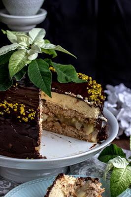Walnuss-Birnen Torte mit Marzipanmousse 42
