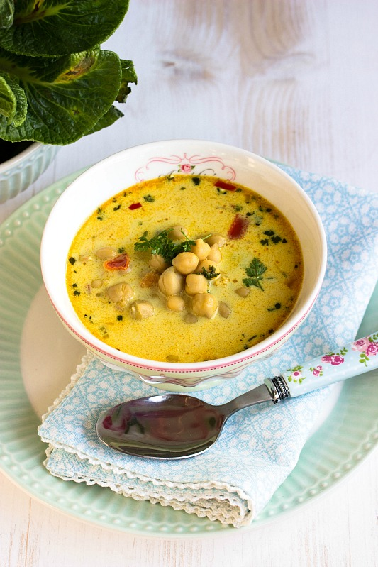 Schnelle,gesunde Kichererbsen Suppe mit Kokosmilch und vielen Gewürzen 4