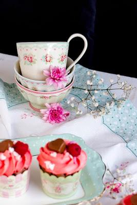 Himbeer-Schoko Cupcakes für Verliebte - eine Rezeptidee zum Valentinstag oder Muttertag 20