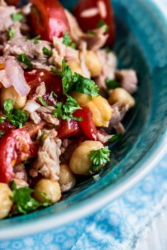 Schneller,einfacher Kichererbsen-Thunfisch Salat mit Tomaten (glutenfrei und gesund) 2