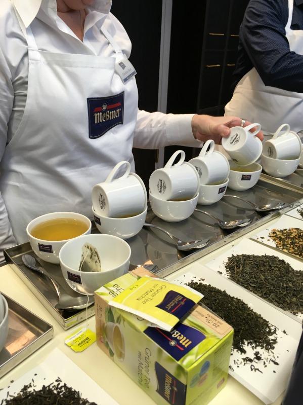 Bloggertreffen im Kölln Haferland , Tea-Tasting im Meßmer Momentum und das Rezept für die besten Earl Grey Muffins 100