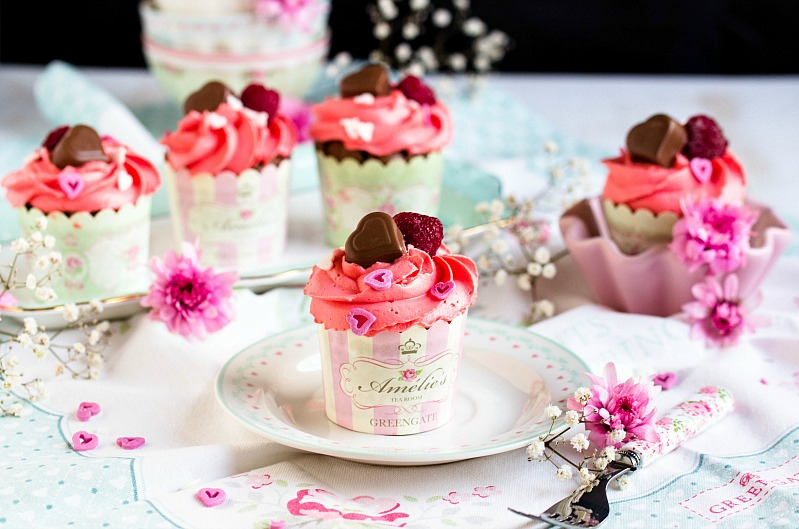 Himbeer-Schoko Cupcakes für Verliebte - eine Rezeptidee zum Valentinstag oder Muttertag 8