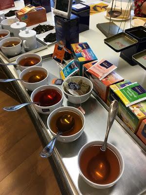 Bloggertreffen im Kölln Haferland , Tea-Tasting im Meßmer Momentum und das Rezept für die besten Earl Grey Muffins 101