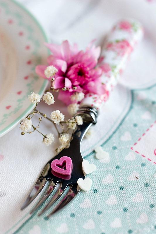 Himbeer-Schoko Cupcakes für Verliebte - eine Rezeptidee zum Valentinstag oder Muttertag 12