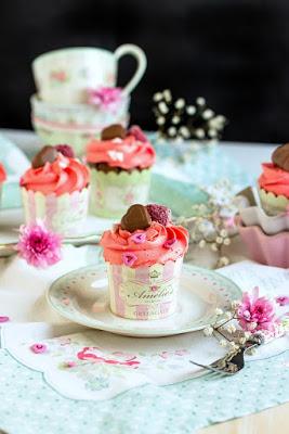 Himbeer-Schoko Cupcakes für Verliebte - eine Rezeptidee zum Valentinstag oder Muttertag 10