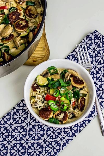 Reis-Gemüsepfanne mit Bratwurst in Frischkäsesauce -schnelle Feierabendküche 1