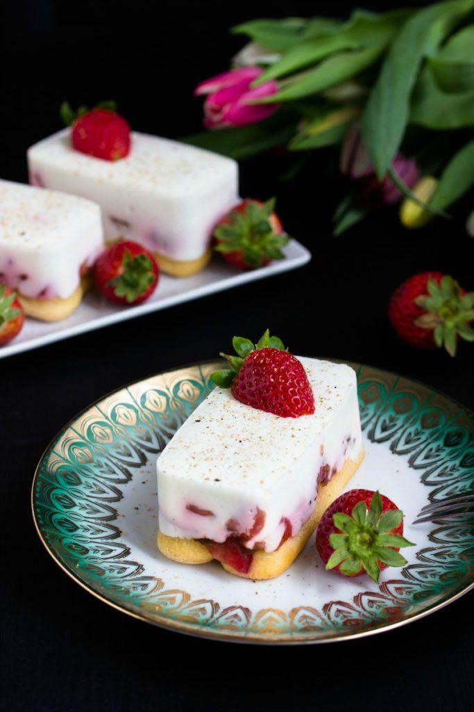 Tiramisu mit Balsamico-Erdbeeren, Skyr und Licor43 2