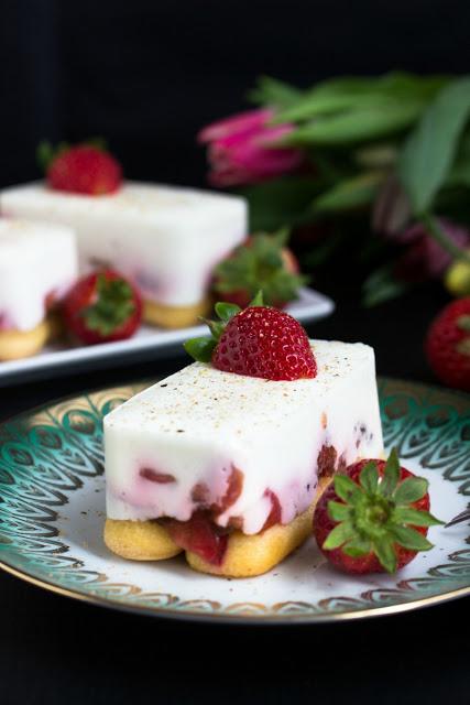 Tiramisu mit Balsamico-Erdbeeren, Skyr und Licor43 25