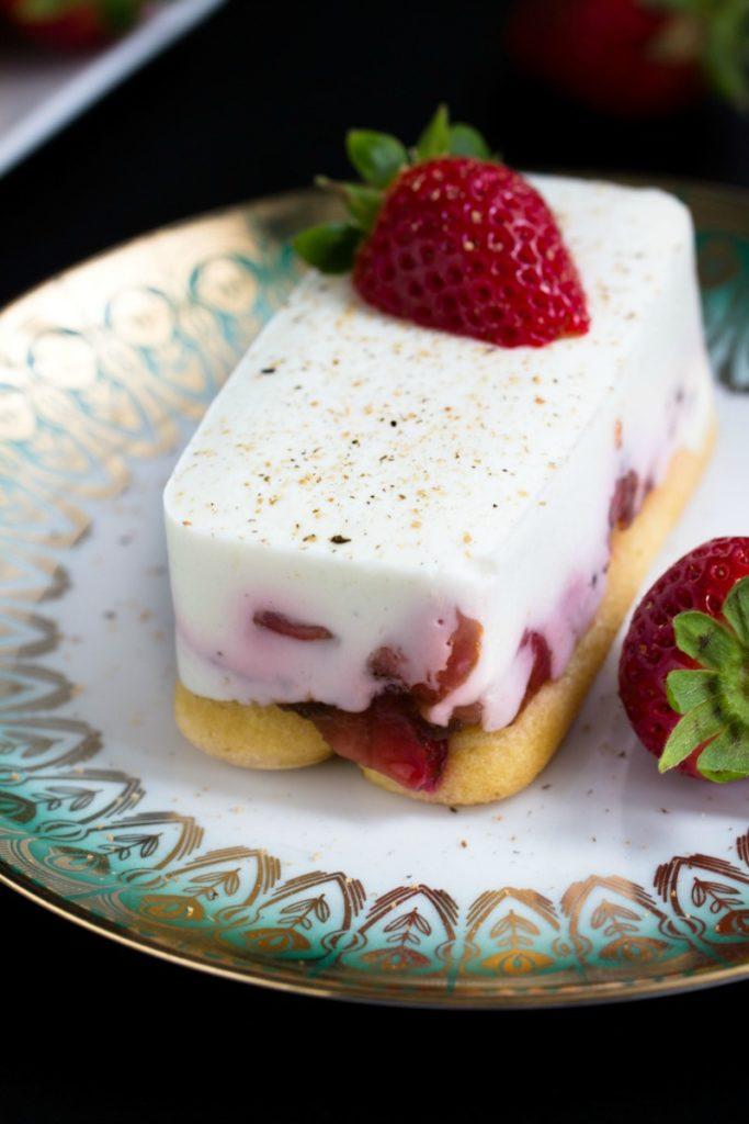 Tiramisu mit Balsamico-Erdbeeren, Skyr und Licor43 27