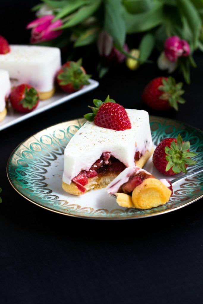 Tiramisu mit Balsamico-Erdbeeren, Skyr und Licor43 26