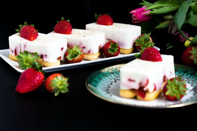Tiramisu mit Balsamico-Erdbeeren, Skyr und Licor43 1